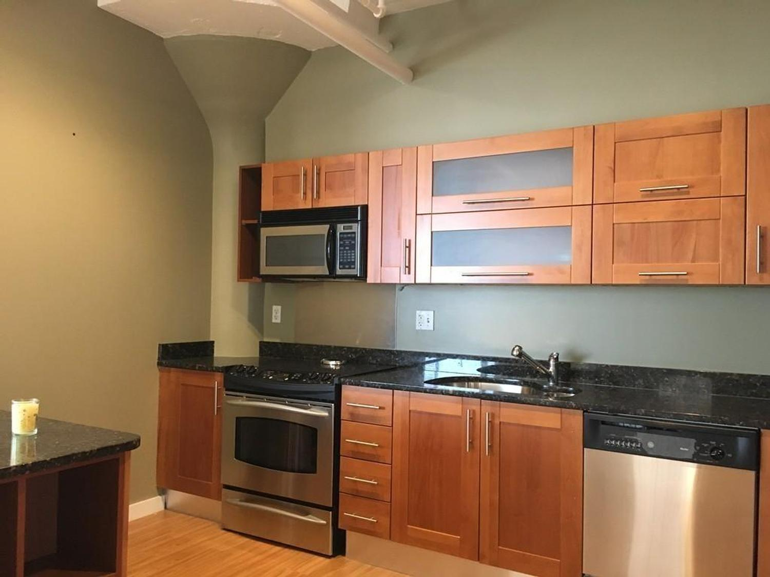 Photo of 210 South Street Boston - Leather District, MA 02111