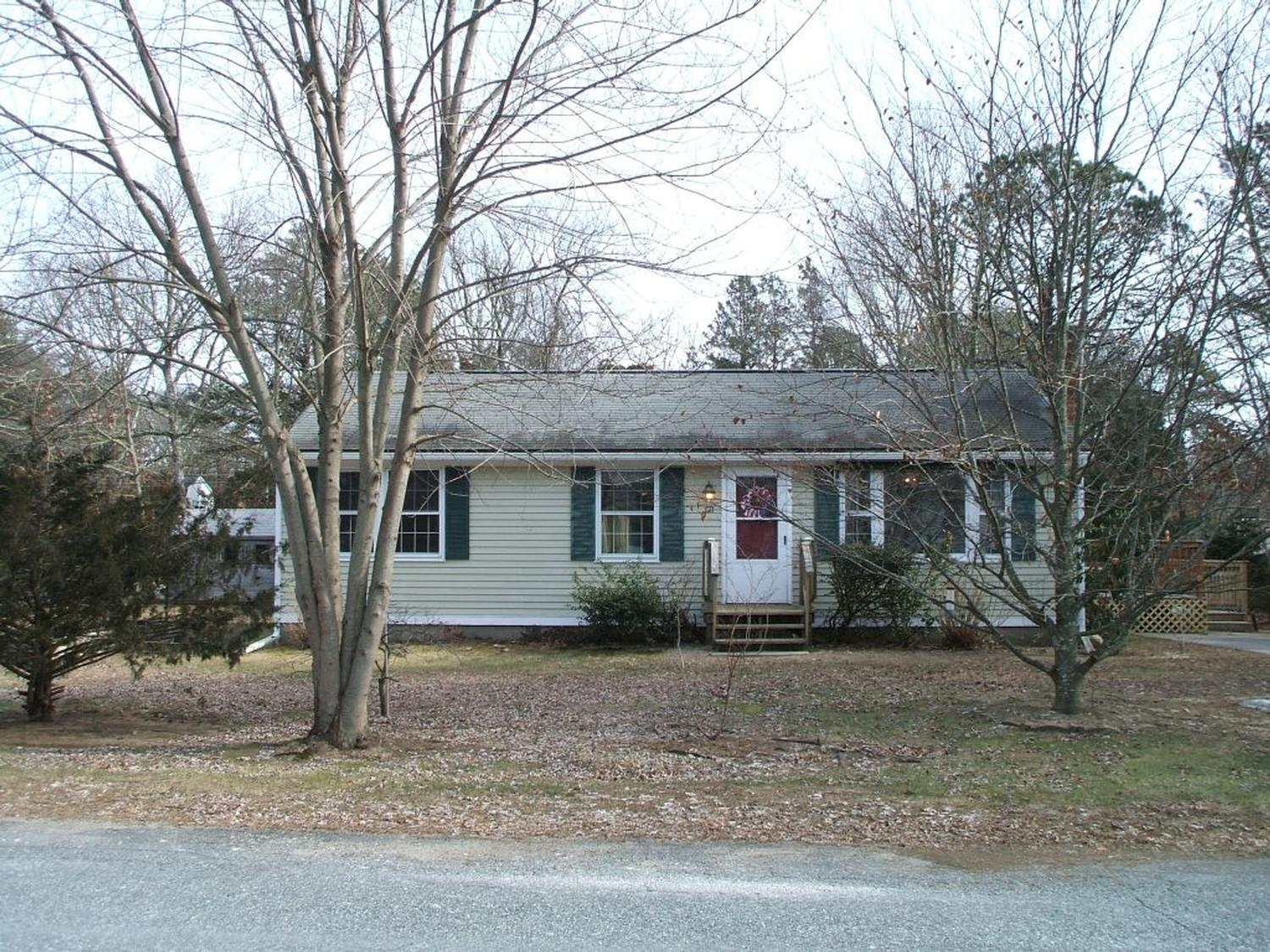 Photo of real estate for sale located at 121 Balsam Road South Kingstown, RI 02879