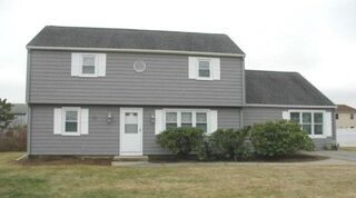 Photo of real estate for sale located at 20 Foster Lane Narragansett, RI 02882