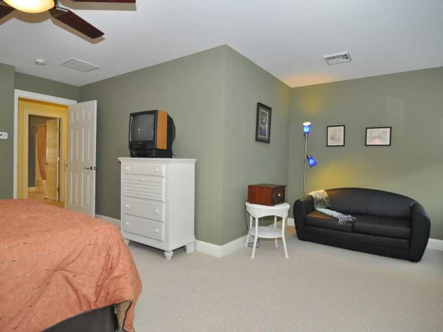 Photo of 8 Crestview Drive Westerly, RI 02891